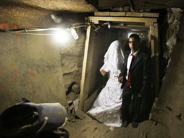 Terror tunnel bride and groom